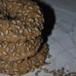 Sonnenblumenkern-Bagel