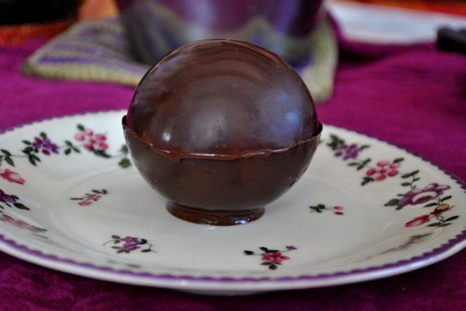 Die Schokoladenkugel ist einfach und wirklich schnell gemacht und überzeugt auf jedenfall.