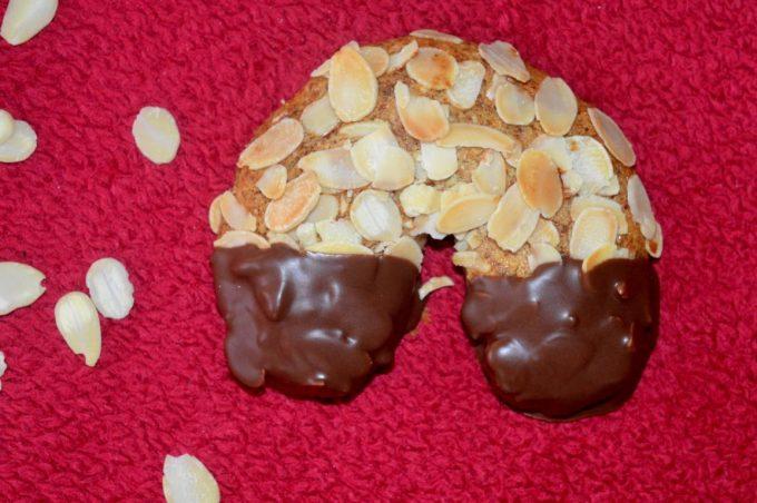 Mandelhörnchen sind einfach und schnell gemacht. Sie schmecken wahnsinnig lecker und man weiß, was für Inhaltsstoffe drin sind.