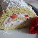 Sonja backt – Biskuittorte mit Erdbeersahne