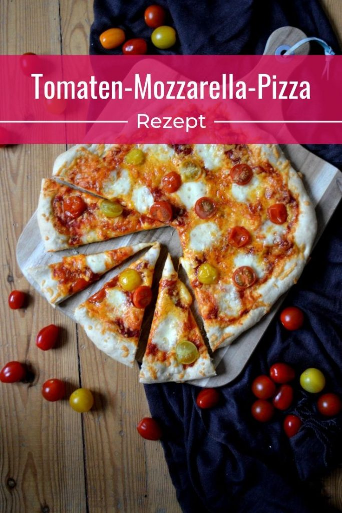 Tomaten-Mozzarella-Pizza