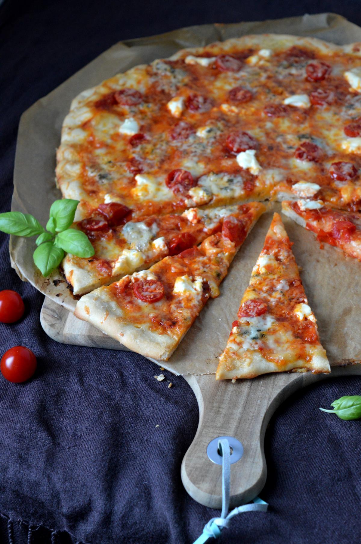 Vier-Käse-Pizza