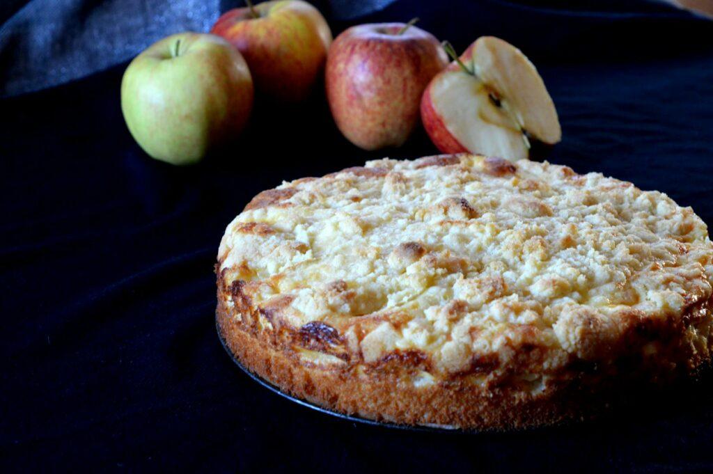 Schneller Apfel-Streusel-Kuchen mit Schmand