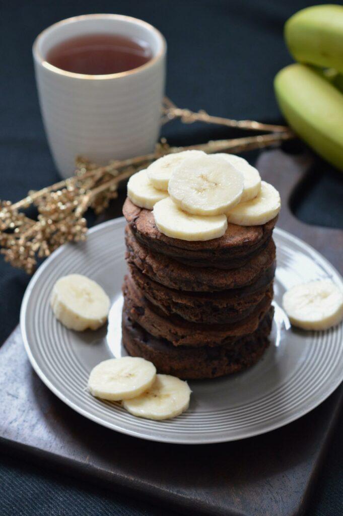 Schoko-Pancakes mit Bananen