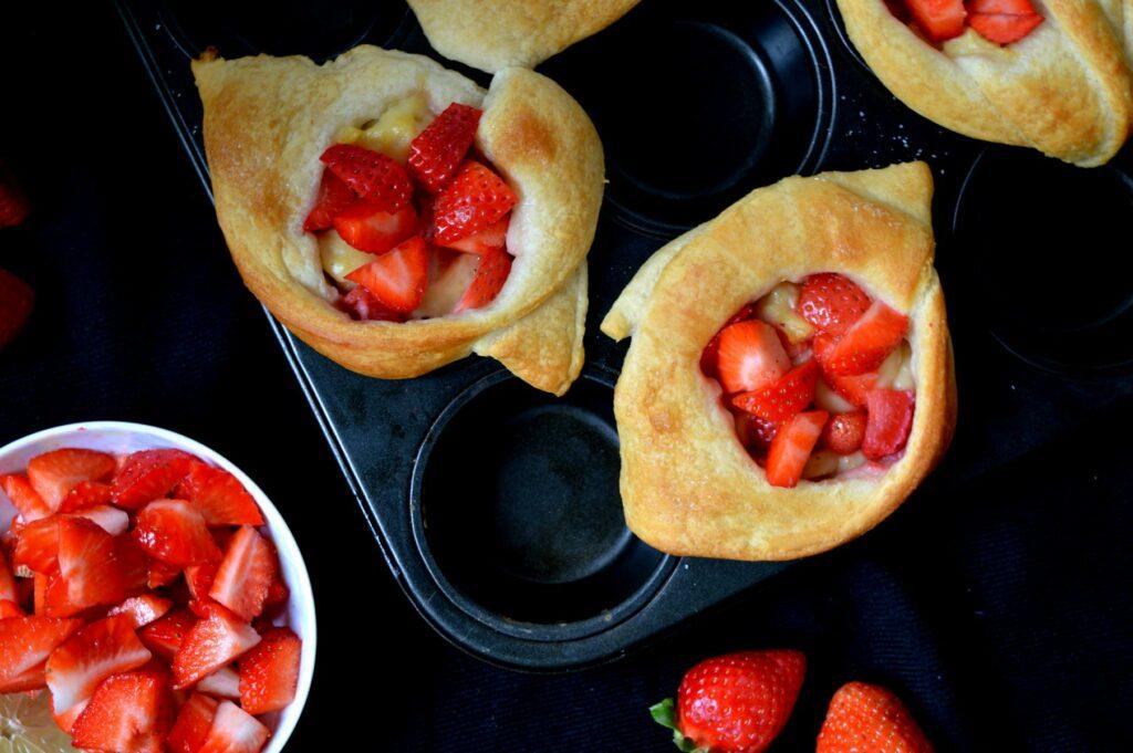 Erdbeer-Plunder mit Croissantteig