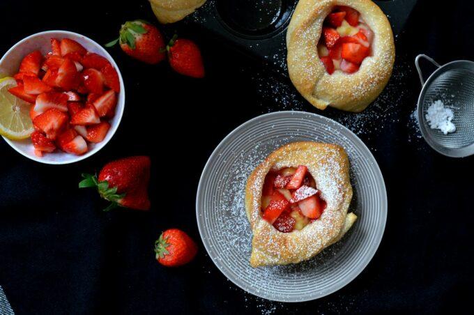 Schnelle und einfache Erdbeerplunder