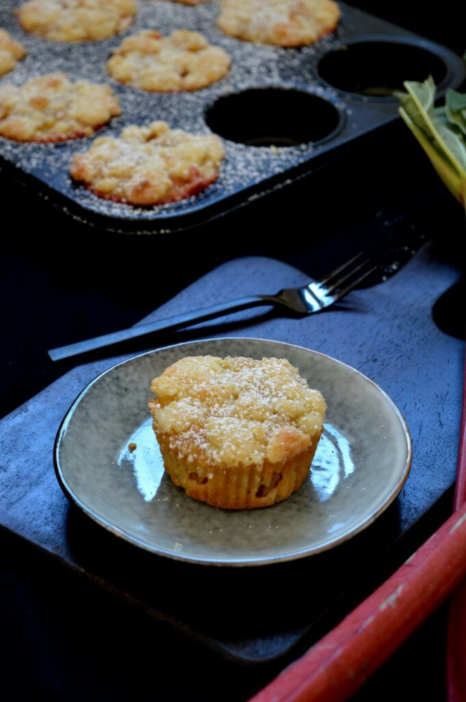Einfache Rhabarber-Steusel-Muffins